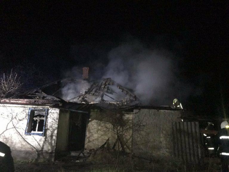На Харьковщине во время пожара в частном доме погиб мужчина, арендовавший там комнату, – ФОТО