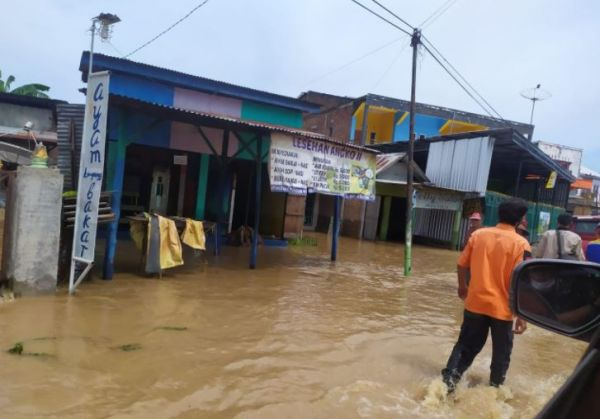 В Индонезии – наводнения и оползни, погибли более 40 человек